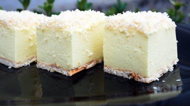 """Przepis na prosty i smaczny deser bez pieczenia """"Śnieżny puch"""""""