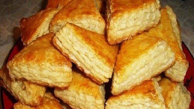 Wspaniały przepis na każdy dzień: ciasteczka na kefirze. Przygotowanie zajmuje kilka minut