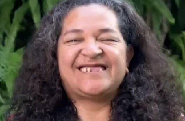 Kobieta postanowiła radykalnie zmienić swój wygląd dla swoich dzieci, a styliści odmłodzili ją o 10 lat
