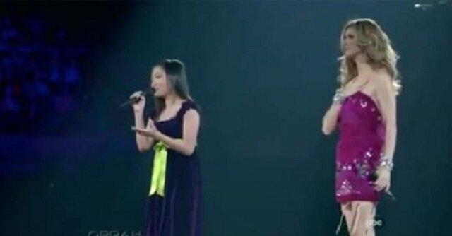 Celine dion zaprasza na scenę nastolatkę, żeby zaśpiewała dla swojej mamy. Jej głos zaskoczył samą gwiazdę