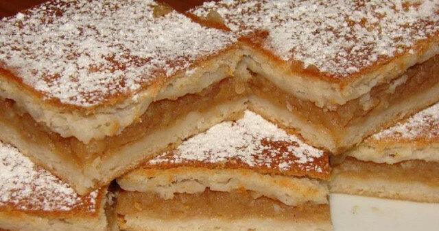 Delikatna szarlotka: pyszny deser z prostych składników