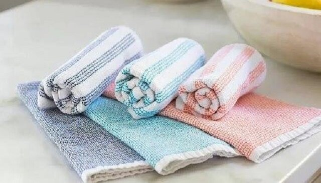 Jak łatwo wyprać ręczniki kuchenne i serwetki