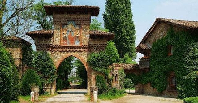 Grazzano Visconti: włoska wioska, która wygląda jak bajkowe królestwo