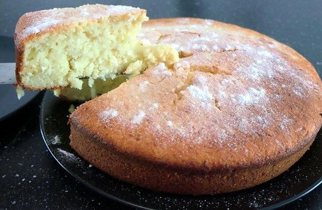 Wszystko wymieszać i do piekarnika: niesamowicie smaczna babka z twarogiem