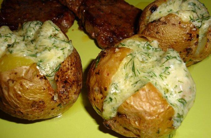Ten przepis na gotowanie ziemniaków jeszcze nie jest Tobie znany. Najsmaczniejsze danie, które kiedykolwiek jadłam