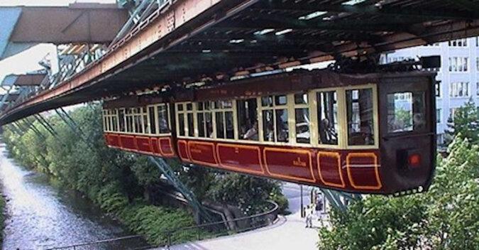 Wuppertal Schwebebahn: najbardziej niezwykły i najbezpieczniejszy transport publiczny na świecie