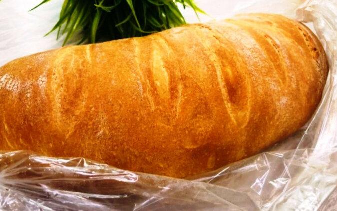 Nie chodzę już do sklepu po chleb, piekę chleb w rękawie. Okazuje się puszysty i chrupiący