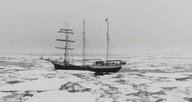 Marynarze zostali wyrzuceni na plaże na bezludnej wyspie i mieszkali na niej przez 7 lat
