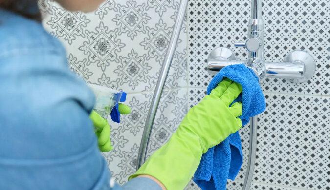 Co zrobić z brudną kabiną prysznicową? Nieoczekiwane lifehacki na każdy dzień