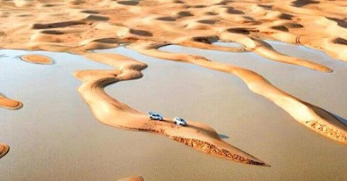 W Arabii Saudyjskiej na bezkresnej pustyni pojawiły się jeziora
