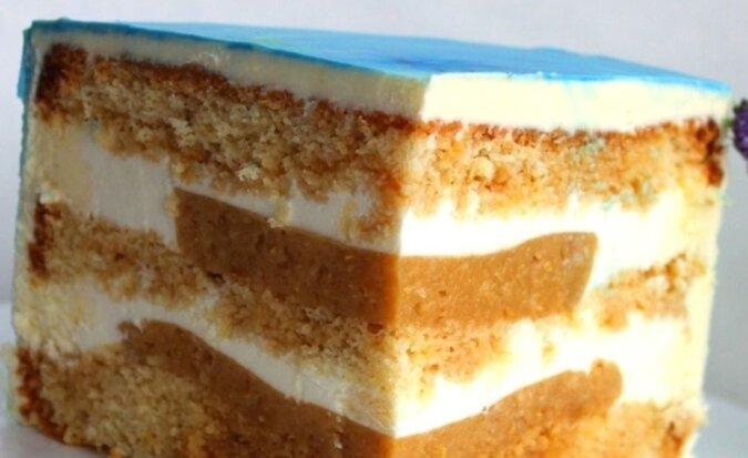 """Ciasto biszkoptowe """"Karmelowa gruszka"""" z delikatnym kremem"""