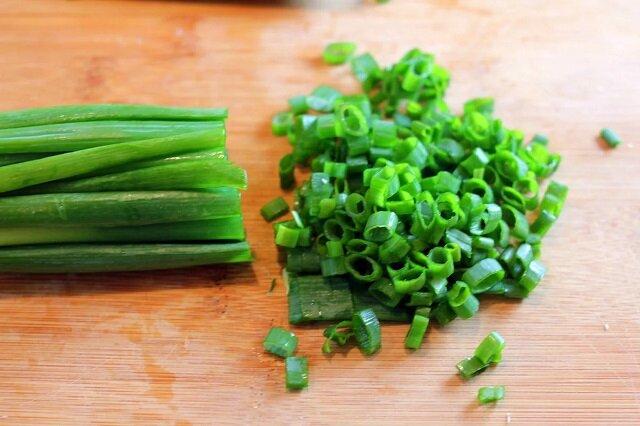 Szykujemy zieloną cebulę: bez suszenia i zamrażania