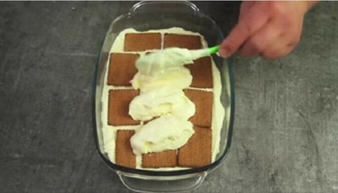 Tort bez pieczenia z herbatników. Pycha