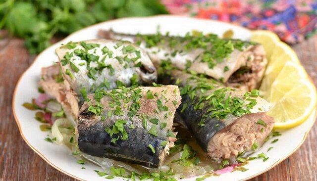 Makrela będzie gotowa za 10 minut bez smażenia i pieczenia. Jest bardzo smaczne