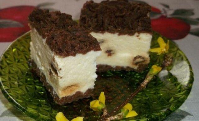 Sernik z okruszkami kakao. Prosty i smaczny serniczek
