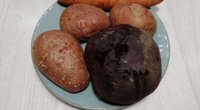 Przestałam gotować warzywa do sałatki - znalazłam łatwiejszy sposób. Warzywa w sałatce będą jeszcze smaczniejsze