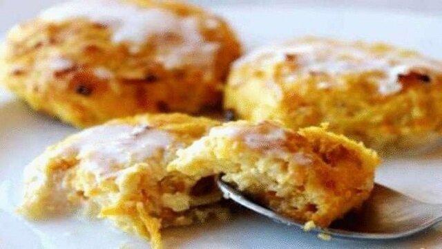 Placuszki serowe z jabłkami. Pyszne i proste śniadanie