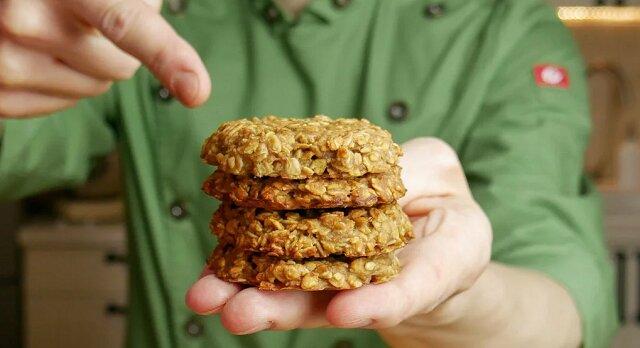 Ciasteczka bez cukru i mąki. Wystarczyły 3 składniki, widelec i 20 minut