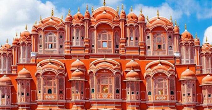 Pałac Wiatrów w Indiach: harem maharadży z 950 oknami i bez jednej klatki schodowej