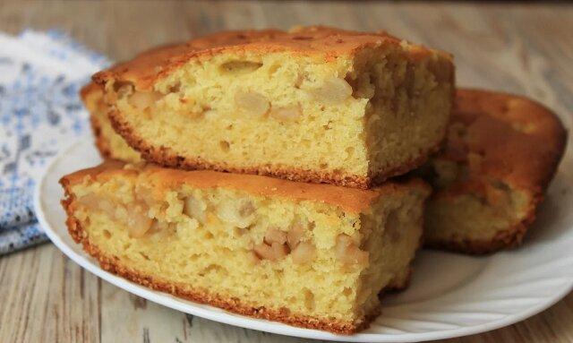 Nauczyłam się, jak przygotować placek z rzadkiego ciasta, aby nadzienie nie opadło na dno