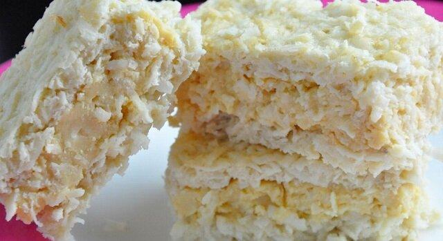 Placek budyniowo - kokosowy. Ciasto jest niezwykle smakowite i delikatne
