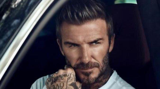 Beckham w koszulce i szortach pokazał domowy posiłek z córką