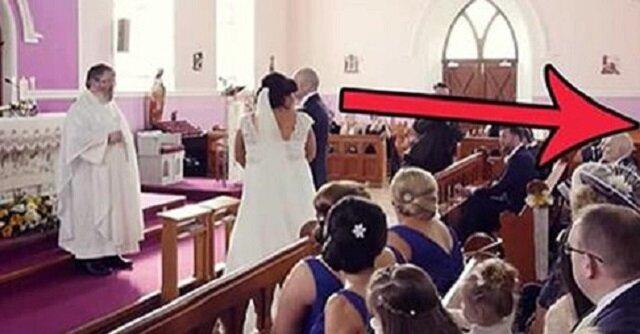 Ślub zostaje wstrzymany po tym, jak z tyłu kościoła ktoś krzyknął. Panna młoda odwraca się i wybucha płaczem