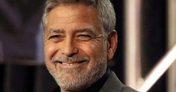"""""""Zwykły człowiek"""": George Clooney opowiedział, że od 20 lat sam się obcina"""