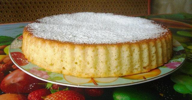 Ciasto z semoliny na kefirze z jabłkami: czas przygotować najsmaczniejsze wypieki