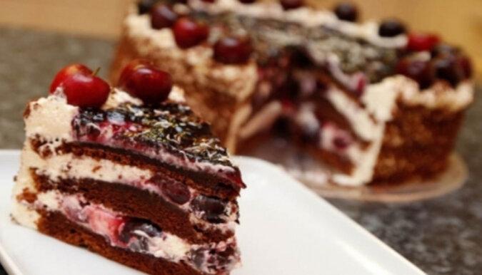 Pyszne ciasto wiśniowo-kakaowe. Lekkie i smaczne wypieki