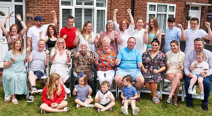 8 dzieci, 92 wnuki: prapraprababcia świętowała swój jubileusz w dużej i przyjaznej rodzinie