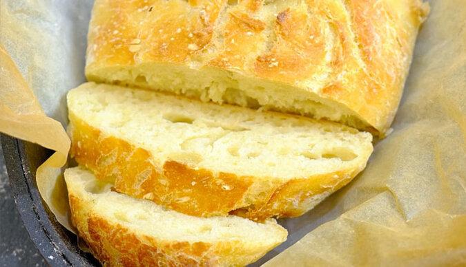 Chrupiąca skórka i aromatyczny miękisz: chleb dla tych, kto robi go po raz pierwszy
