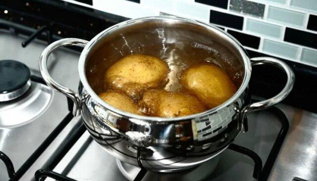Dowiedziałam się, że od 35 lat źle gotowałam ziemniaki