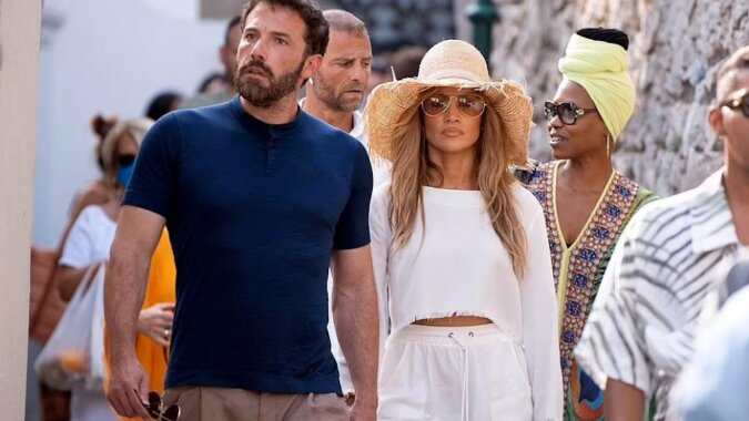 Chwila czułości: zobacz romantyczne wakacyjne zdjęcia Jennifer Lopez i Bena Afflecka