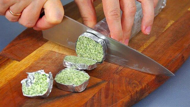 Kolejny pomysł, jak przechowywać koperek przez kilka miesięcy: nadaje się do makaronów i ziemniaków, piure, zapiekanek i po prostu do chleba