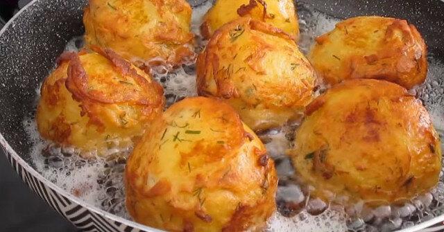 Aromatyczne i bardzo smaczne ziemniaki w cieście: przepis na oryginalne danie smażone