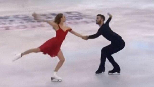Para łyżwiarzy wchodzi na lód, zobacz tylko co się dzieje gdy rozpoczyna się utwór Perfect Eda Sheerana