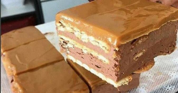 Tort czekoladowy bez pieczenia: przepis krok po kroku