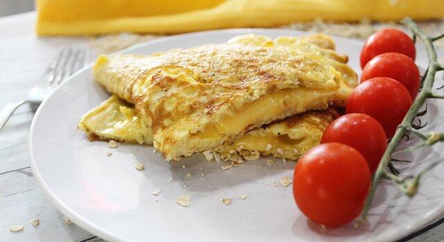 Naleśniki owsiane z serem. Są smaczne i zdrowe