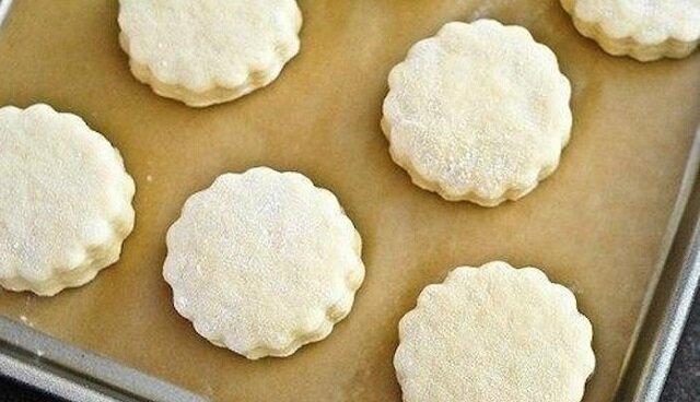 Ciastka miodowe na kefirze. Słodkie wspomnienie z dzieciństwa