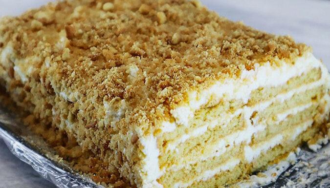 Pyszny tort z kremem twarogowym: w szybki i łatwy sposób, bez pieczenia