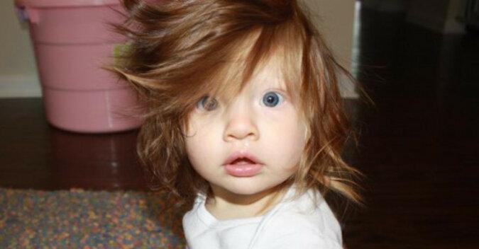 Dzieci, które od urodzenia mają piękną fryzurę