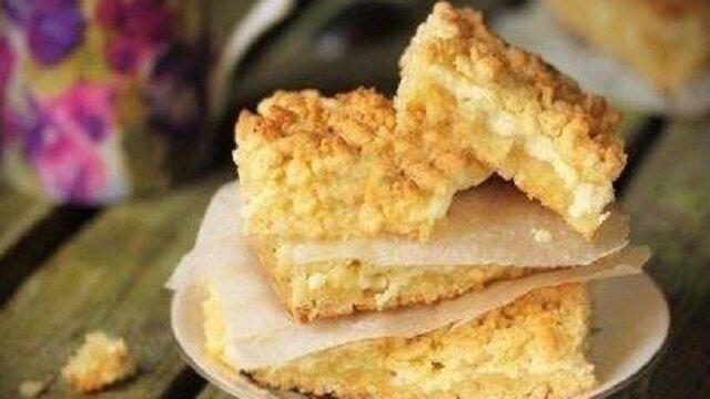 Najpopularniejsze przecierane ciasto z twarogiem