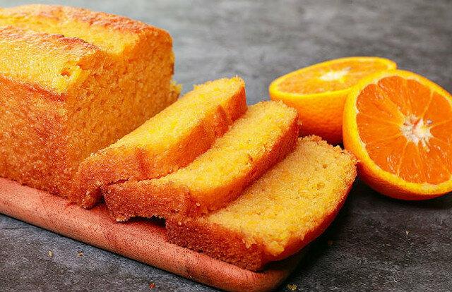 Bez jaj i piekarnika: delikatna i aromatyczna cytrusowa babka z jednej pomarańczy