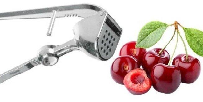 Cały czas korzystam z praski do czosnku, a dopiero niedawno dowiedziałam się, że można nią usuwać pestki z wiśni