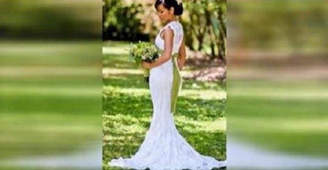 Panna młoda pozuje do zdjęcia. Kiedy przyjrzałam się bliżej jej sukni ślubnej, nie mogłam w to uwierzyć. Niewiarygodne