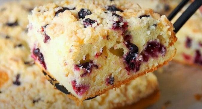 Ciasto jagodowe. Przepyszny i aromatyczny deser dla rodziny