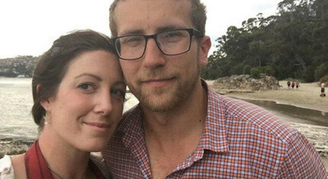 Kobieta przez rok nosiła zaręczynowy pierścionek i nie wiedziała o tym