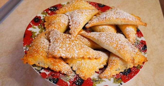 Ciasteczka zrobione z niesamowitego ciasta twarogowego bez jajek i proszku do pieczenia. Pycha