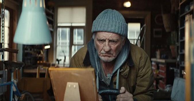 Świąteczna reklama z niemieckim dziadkiem. Wideo